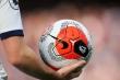 Ngoại Hạng Anh quyết định giống V-League: Khi nào an toàn mới đá lại