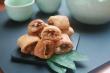Ngoài bánh cốm, còn món quà vặt tuổi thơ nào từng làm trẻ con Hà Nội say mê?