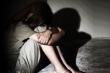 Tạm giữ người đàn ông dùng vũ lực nhiều lần dâm ô con riêng của vợ