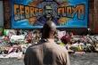 Bác sỹ pháp y Mỹ: George Floyd bị giết, 'xe cứu thương là xe tang'