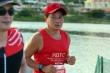 Ông Đoàn Ngọc Hải hoàn thành đường chạy marathon trên đảo Lý Sơn