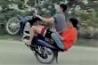 Khoe clip bốc đầu xe máy lên Facebook, nam thanh niên bị phạt hơn 4 triệu đồng