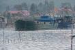 Tàu hàng ngang nhiên đổ trộm chất thải trái phép xuống biển