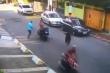 Clip: Gặp cảnh sát, tên cướp 'vứt' cả đồng bọn, chạy trối chết