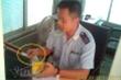 Tạm đình chỉ 4 cán bộ hải quan ở Quảng Trị bị tố nhận tiền 'bôi trơn'