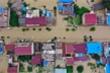 Lũ lụt lịch sử càn quét Trung Quốc, hơn 10.000 người bị mắc kẹt