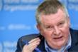 WHO kêu gọi các quốc gia phớt lờ số liệu 'thức tỉnh' và ngăn chặn COVID-19