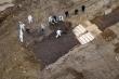 Nghi vấn chôn tập thể người chết vì COVID-19 trên đảo Hart, New York lên tiếng