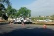 Xe bán tải tông ô tô dừng ven đường ở Hải Dương, nhiều người thương vong