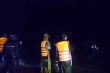 Tìm kiếm 2 cha con bị nước lũ cuốn trôi trong đêm ở Gia Lai
