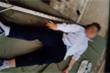Học sinh lớp 6 ở Hải Dương bị cột đỡ sào nhảy cao cắm trúng đầu trong giờ thể dục