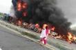 Lời kể khủng khiếp của nhân chứng vụ cháy xe chở dầu, gần 150 người chết ở Pakistan