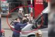 Tài xế gây tai nạn rồi nhấn ga đẩy lùi nạn nhân để bỏ chạy sẽ bị xử lý thế nào?