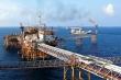 Giá dầu thế giới giảm mạnh: Kinh tế Việt Nam chịu tác động gì?