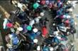 Nhóm nữ sinh đánh nhau ngay trước mặt bảo vệ trường ở Đắk Lắk