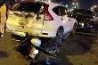 Ô tô đi ngược chiều gây tai nạn liên hoàn trên phố Hà Nội