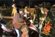 Đêm đầu tiên Đà Nẵng giãn cách xã hội: Mọi người ra đường không lý do bị mời về