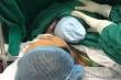 Người mẹ vỡ òa hạnh phúc đón con trai chào đời sau 5 năm hiếm muộn