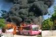 6 xe khách bốc cháy ngùn ngụt tại bãi giữ xe ở Thanh Hóa