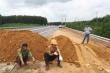 Hàng loạt xe khách chạy 'chui' trên cao tốc La Sơn - Túy Loan để né trạm thu phí