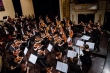 Nghệ sỹ 23 tuổi người Đan Mạch cùng Dàn nhạc Giao hưởng Mặt Trời trình diễn 'Bản giao hưởng bi thương'