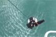 Video: Dùng trực thăng giải cứu ngư dân gặp tai nạn giữa biển ở Trung Quốc