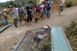 Cổng trường đổ, đè 3 học sinh chết thương tâm ở Lào Cai