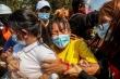 Đám tang nữ sinh bị thiệt mạng trong cuộc biểu tình phản đối đảo chính ở Myanmar