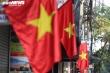 Đường phố Hà Nội, TP.HCM rực rỡ cờ hoa mừng 45 năm Ngày Giải phóng miền Nam