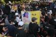 Người Myanmar xuống đường tưởng niệm cô gái trúng đạn khi biểu tình