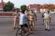 Vi phạm lệnh giới nghiêm, nam thanh niên Ấn Độ bị cảnh sát đánh chết