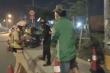 Dùng điện thoại quay tổ cảnh sát làm nhiệm vụ và án mạng bất ngờ
