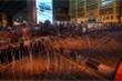 Biểu tình leo thang, quốc hội Thái Lan họp khẩn
