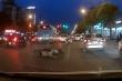 Hiện trường xe 'điên' đâm hàng loạt xe máy, 7 người nhập viện ở Hà Nội