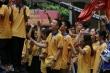 Học sinh Hà Nội đội mưa cổ vũ thí sinh thi chung kết Olympia năm thứ 20