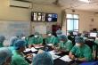 Các giáo sư đầu ngành đến Huế, lật từng trang bệnh án cứu bệnh nhân COVID-19