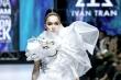 Hé lộ cát-xê của Hoa hậu Hương Giang khi trình diễn thời trang