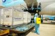 Hành trình đưa 117.600 liều vaccine COVID-19 đầu tiên về Việt Nam