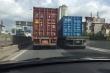 Truy tìm 2 xe container dàn hàng ngang, chạy như rùa bò trên đường vành đai 3
