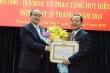 Nguyên Bí thư TP.HCM Lê Thanh Hải nhận huy hiệu 50 năm tuổi Đảng