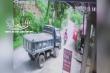 Xe máy lấn làn đấu đầu xe tải, 2 người thương vong