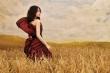 Ảnh: Người mẫu 15 tuổi khuyết tay Hà Phương như thiên thần giữa đồng lúa