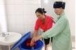 Thiếu nước sạch, bệnh viện cho người bệnh nhẹ về nhà