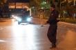 Ảnh: Chốt kiểm soát trắng đêm phòng chống COVID-19 tại cửa ngõ ra vào Hà Nội