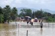 Nước lũ lên nhanh ở Gia Lai, chia cắt giao thông tại quốc lộ 25