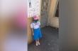Học sinh ở Hải Phòng đi học sớm bị bắt đứng ở cổng trường giữa trời nắng nóng