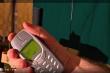 Sạc Nokia bằng dòng điện 1 triệu volt, điều gì sẽ xảy ra?