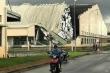 Lốc xoáy kinh hoàng cuốn bay mái tôn, kéo sập nhà xưởng ở Tiền Giang