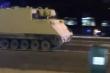 Video: Binh sỹ Mỹ trộm xe bọc thép của quân đội, phóng như bay trên xa lộ