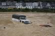 Vì sao Trung Quốc hứng chịu mưa lũ nghiêm trọng trong năm nay?